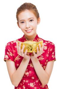 Китайская девушка с золотом